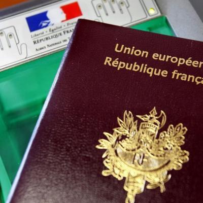 Mega fichier les francais pourront refuser la prise de leurs empreintes digitales 1